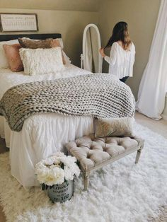 With the new school year approaching comes the mad dash to find the perfect dorm room decor and accessories to spruce up an empty space. Nailing your aesthetic and vibe … Stylish Bedroom, Cozy Bedroom, Teen Bedroom, Master Bedroom, Bedroom Decor, Bedroom Ideas, Sophisticated Bedroom, Modern Bedroom, Bedding Decor