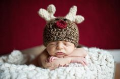 Free Crochet baby hat patterns.. Reindeer for Christmas photos! :) #Christmas #thanksgiving #Holiday #quote