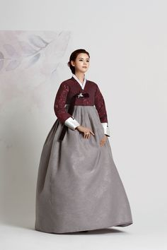 친정어머니 210 Korean Hanbok, Korean Dress, Korean Outfits, Korean Traditional Dress, Traditional Fashion, Traditional Dresses, Dress Outfits, Cool Outfits, Fashion Dresses