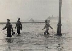 POLICIA NACIONAL DE CUBA Inundacion en el Malecon Habanero en 1952
