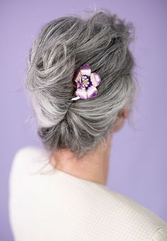 Best Hair Accessories for Gray Hair ~ Beautiful Life Loose Updo, Loose Braids, Braided Half Up, Braided Ponytail, Vintage Hairstyles, Cool Hairstyles, Grey Hair Journey, Long Silver Hair, Simple Ponytails