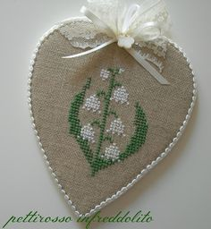 Sweet and simple. Small Cross Stitch, Cross Stitch Finishing, Cross Stitch Flowers, Cross Stitching, Cross Stitch Embroidery, Cross Stitch Patterns, Diy And Crafts, Arts And Crafts, Tapestry Crochet Patterns