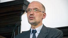 """Andrzej Nowak: """"Dzieje Polski - co to znaczy? Ray Bans, Mens Sunglasses, Vogue, Style, Fashion, Swag, Moda, Stylus, Fashion Styles"""