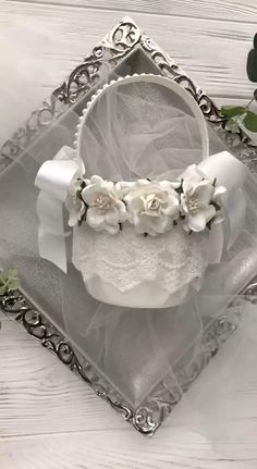 White Wedding Bouquets, Bridesmaid Flowers, Wedding Flowers, Pink Silver Weddings, Pink Christmas Decorations, Rustic Flower Girls, Lace Wedding Invitations, Flower Girl Basket, Wedding Arrangements