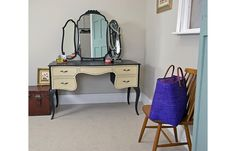 Kidney Shape Dressing Table