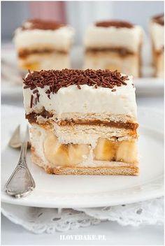 Bananowa krówka - I Love Bake Sweet Desserts, Sweet Recipes, Delicious Desserts, Cake Recipes, Yummy Food, Banana Cake Frosting, Sweet Bar, Snacks Für Party, Polish Recipes