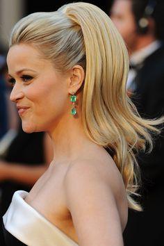 Reese Witherspoon con coleta alta en la Gala de los Oscar 2011