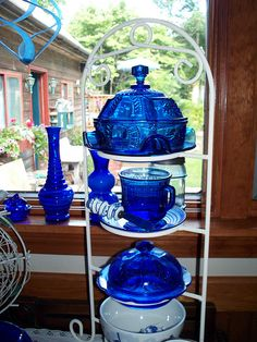 Cobalt blue glass and sunshine, perfect match! Crazy Colour, Color Blue, Love Blue, Blue And White, Blue Danube China, Dessert Glasses, Blue Dishes, Blue Things, Blue Bottle