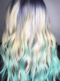 The newest pastel hair color trend is violet ice, a sheer lavender color paired with platinum blond Aqua Hair, Pastel Hair, Green Hair, Blue Tips Hair, Peekaboo Color, Medium Hair Styles, Short Hair Styles, Galaxy Hair, Bleu Pastel