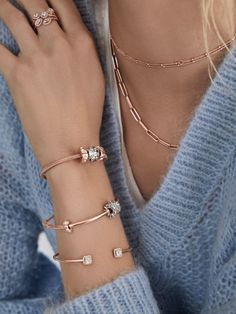 Show her that you know her this holiday with rings, bracelets, and necklaces from the hand-finished winter Holiday 2019 collection. Shop your favorites today! Pandora Bracelets, Pandora Jewelry, Charm Jewelry, Pandora Charms, Jewelry Bracelets, Wrap Bracelets, Necklaces, Armband Rosegold, Funky Jewelry