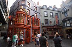 Weasleys' Wizarding Wheezes e Quality Quidditch Supplies