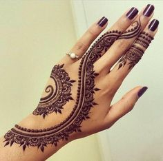 Eid Mehndi-Henna Designs for Girls.Beautiful Mehndi designs for Eid & festivals. Collection of creative & unique mehndi-henna designs for girls this Eid Henna Tattoo Hand, Henna Tattoo Muster, Et Tattoo, Mandala Tattoo, Henna On Hand, Finger Henna, Foot Henna, Henna Mandala, Henna On Leg