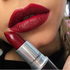 Mac lipsticks 406238828891311650 - Obsession continues on this gorgeous Mac by amazing ⭐️🎉👏🏻 Diva Mac 🤩😘 lipstick artist… Source by Mac Lipstick Swatches, Mac Matte Lipstick, Lipstick Shades, Mac Lipsticks, Mac Diva Lipstick, Nyx Matte, Makeup Dupes, Makeup Geek, Mua Makeup