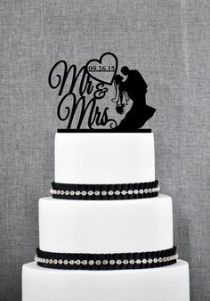 The personalized Mr and Mrs wedding cake topper is a modern sentiment and will make any cake elegant. This cake topper can be personalized with