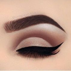 11 Cut-Crease Makeup Ideas Perfect For Hooded Eyes