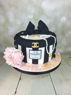Inspiration Image of Chanel Birthday Cake . Chanel Birthday Cake Chanel Hat Box Cake For Annie In Mancot Happy Birthday X Coco Chanel Cake, Bolo Chanel, Chanel Hat, Chanel Paris, Adult Birthday Cakes, Themed Birthday Cakes, Themed Cakes, Designer Birthday Cakes, Birthday Box