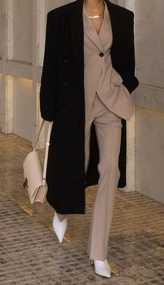 Suit Fashion, Look Fashion, Fashion Outfits, Mode Ootd, Mode Hijab, Looks Black, Professional Outfits, Looks Style, Mode Outfits