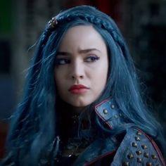 Sofia Carson as Evie in descendants 2