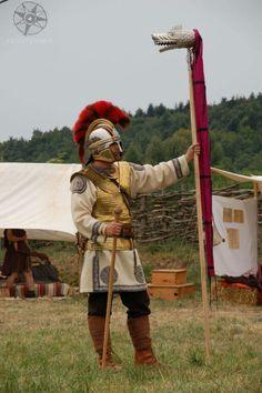 Late Roman legionary with draco