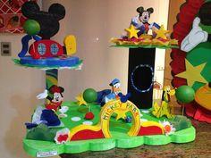 minie bienvenidos - Buscar con Google Mickey Mouse Clubhouse, Mickey Mouse Birthday, Mickey Minnie Mouse, Mikey Mouse, Mickey Party, Birthday Decorations, Kids And Parenting, Disney, Diy And Crafts