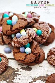 Chocolate Nest Easter Crinkle Cookies - Gluten Free: These super fun Easter Chocolate Nest Crinkle Cookies. They are not only amazing ~ but also gluten free! Easter Cookie Recipes, Easter Cookies, Easter Treats, Easter Cake, Easter Desserts, Crinkle Cookies, Gluten Free Cookies, Gluten Free Desserts, Chocolate Easter Nests
