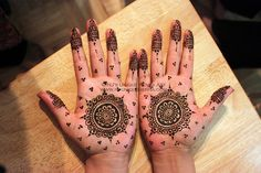 Fareha's simple bridal henna 2012 © NJ's Unique Henna Art | Flickr - Photo Sharing! Bridal henna mehndi. NJ's Unique Henna Art © All rights reserved. Henna by Nadra Jiffry. Based in Toronto, Canada. Specializing in Bridal henna and henna crafts. This is my work and my photos only.  www.nj-uniquehenna.com