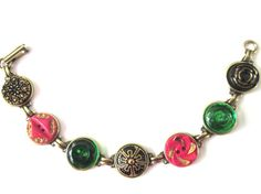 Christmas antique button bracelet. Red, green and black/gold glass buttons