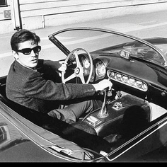 """updownsmilefrown: """" Alain Delon during the filming of, Once a Thief, Hollywood, 1964 by Wayne Miller """" Alain Delon, Jaguar, Wayne Miller, Awesome Definition, Automobile, Cinema, French Films, Magnum Photos, Sport"""