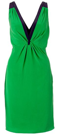 A great v-neck dress with a cinched waist is perfect #bffsofstyle