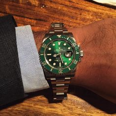 Hulk. Smash. But not in this suit. Maybe later. #Rolex #hulk #submariner #womw #watches #horology #style #menswear #wiwt #bridgeandbarrel