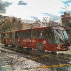 Un #bus #transmilleno de #Transmilenio. #Bogota #Bogotá #Colombia #Kolumbien. #city #ciudad #Stadt