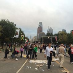 The Benjamin Franklin Parkway less than an hour after the papal Mass concluded. #PVatPope
