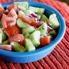 1 cucumber, peeled and cut into bite size pieces, 1 tomato, cut into bite size pieces, 1/4-1/2 small red onion, cut into 1 inch strips, 2 tbsp crumbled feta cheese. Dressing ingredients: 3 tbsp olive oil, 1 1/2 tbsp apple cider vinegar, 1/2 tsp dry oregano, salt and pepper to taste, juice of half of a lemon.