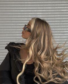 Beauté Blonde, Blonde Hair Looks, Brown Blonde Hair, Wavy Hair, Light Blonde, Girls With Blonde Hair, Honey Blonde Hair, Medium Blonde, Hair Medium