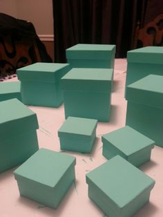 Pub crawl -theme Breakfast at Tiffany's. Tiffany and CO boxes after painting and assembly.