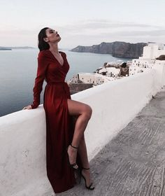 Newest fashion photography inspiration. Ball Dresses, Evening Dresses, Prom Dresses, Formal Dresses, Elegant Dresses, Pretty Dresses, Beautiful Dresses, Mode Outfits, Fashion Outfits