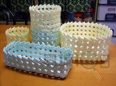 Корзинка из пластиковых трубочек