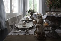 Easter table. By Iwona Mierowska, I.M. Decorations See more inspirations at: https://www.etsy.com/shop/IMDecorations #Easter #Eastertide #house #interior #decor #decoration #inspiration #easteregg