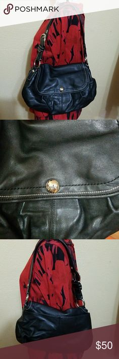 Coach Purse Fantastic Condition, Very slight wear on the bottom (see photo). Coach Bags Shoulder Bags