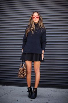 aimee song style inspiration- behind the scenes of Song of Style Fall Outfits, Casual Outfits, Fashion Outfits, Fashion Tips, Look Star, Song Of Style, Outfit Trends, Pullover, Mode Inspiration