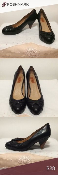 "Miz Mooz Black Vintage Style Heels Sz 7.5 Miz Mooz black vintage style heels with wooden heel (3"" heel) Sz 7.5. In great condition - has a few light scuff marks; minimal wear on bottoms and a mark on the inside of one shoe (shown in pics). Miz Mooz Shoes Heels"