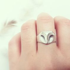 This Minimalistic and perfectly geometric sterling silver Barn Owl Ring is the perfect addition to any Owl lover's accessory collection. Designed by jewelry...