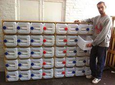 Sistema de armazenamento de gaveta Upcycled garrafa de plástico.