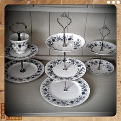 how to make a cake stand!