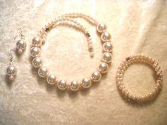 Necklace/earrings/bracelet
