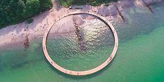 """Construyen en Dinamarca un puente que no lleva a """"ninguna parte"""". Vía @LaTerceraTV http://lt.cl/PEORP"""