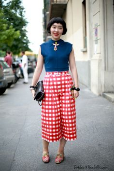 Xuyi #gingham #print #imprimé #vichy #crop #cropped #pants #pantalon #trousers #top #red #colors #fashion #chic #women #style #look #outfit #streetchic #streetfashion #streetstyle #street #women #mode #milan #moda by #sophiemhabille