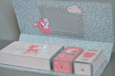 Stampin up boite naissance Foxy friends 3d Paper Projects, 3d Paper Crafts, Diy And Crafts, Crafts For Kids, Baby Scrapbook, Scrapbook Albums, Baby Staff, Sweet Box, Mini Albums Scrap