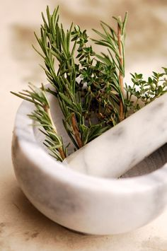 While some women undergo the menopausal transition without incident, most will experience some combination of the 34 menopause symptoms. However, there are many natural and alternative treatments you can try. Natural Life, Natural Health, Home Remedies, Natural Remedies, Rosemary Herb, Spice Garden, Aromatic Herbs, Alternative Treatments, Mortar And Pestle