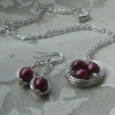 Different.. But I like it.. Birds Nest Jewelry (Black Cherry)